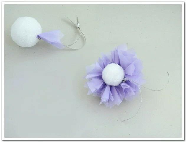 儿童diy彩色皱纹纸花球料:泡沫,单面刀片,细铁丝,皱纹纸,银色装饰绳