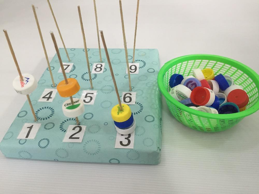 找相同图形并排序,适_幼儿园废旧材料玩教具_幼儿园玩
