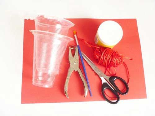 幼儿园灯笼手工制作:杯子灯笼
